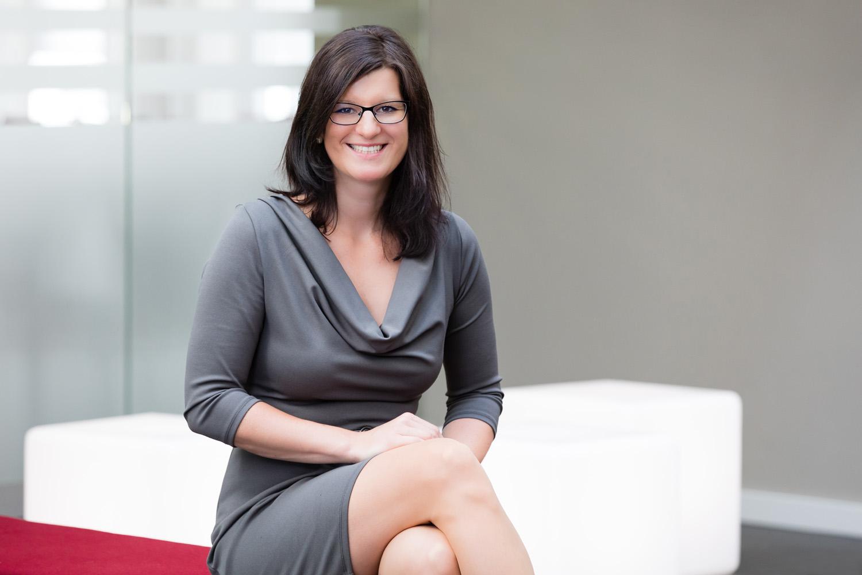 Christin Descher - Finanzexpertin